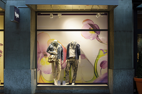 example of the campaign in shopping window