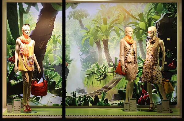 Sommer Foto Filialfenster: Textilwirtschaft / Aziza Freutel