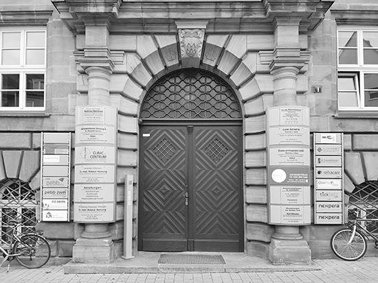contact - entrance Karl-Grllenbergerstrasse 1